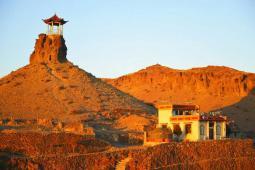 希热庙,坐落在火山口的寺院