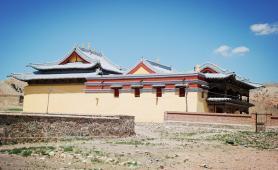 点布斯格庙,蒙语念藏经的喇嘛寺院