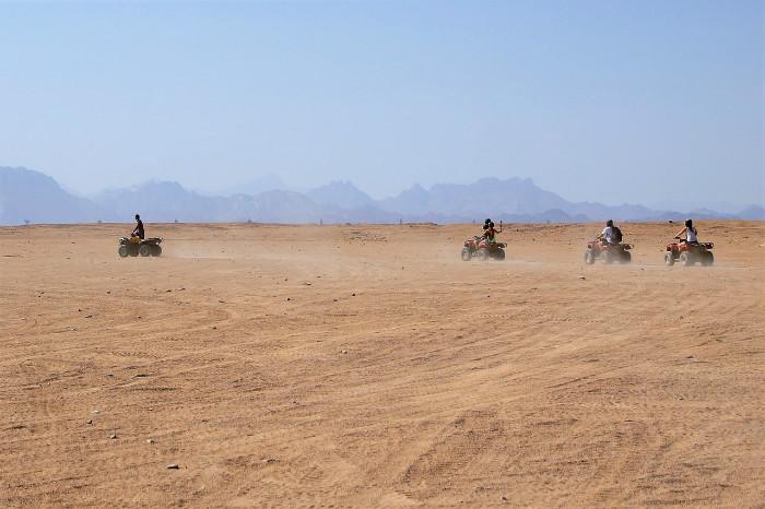 desert-1880287_1280.jpg