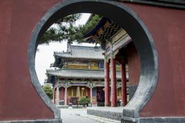 一座没有僧人的寺庙……
